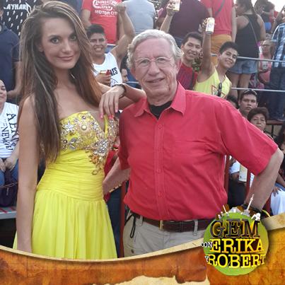 #Carnaval de #Veracruz con Robert y @erikahonstein #Domingo9 #marzo @unicable_canal http://t.co/XcRycGlG4s