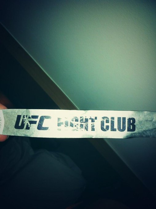 Had an absolutely brilliant day today at #UFCLondon's weigh ins and Q&A session. Thanks @ufcfightclub!!!! http://t.co/LupTAd1nff