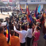 Boeung Kak lake marching is being blocked by riot polices. #IWD2014 #WomensDay #Cambodia #RigtsKH http://t.co/h7rXjX529j