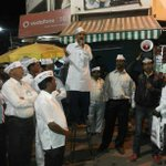 Another innovative way of campaign. AAP pune candidate Subhash Ware speaking at a kopra sabha http://t.co/lb5Hu96D9L