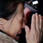 RT @YahooSG: Heartbreaking scenes as families await news of missing #MalaysiaAirlines flight #MH370 http://t.co/snA4tMrrgY http://t.co/n0jqGDjVYZ