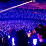 Kyaaaaa they made it !!! The stadiums blue sea is SO beautiful !! <3 and their mom are there !!!! Kyaaaa~~~ http://t.co/RTPZ6dpxZv