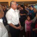 Our PM @NajibRazak just meet our family members. I dont know how tell u guys but we really are sad. #PrayForMH370 http://t.co/jj3gkB1MvR