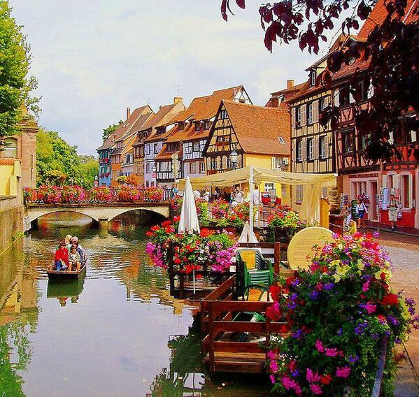 すごく素敵!フランスのコルマールっていう、 ハウルの動く城の舞台になった場所なんだとか