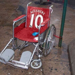 EXCLUSIVE: Arsenal unveil Jack Wilshere's new statue outside The Emirates. http://t.co/qalQgNyWpB