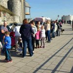 RT @PlymHoe: Check out the queue for ice cream today! Photo by Ricky Bliss @plymouthherald #Plymouth #openforbusiness http://t.co/p516ZAwVKz