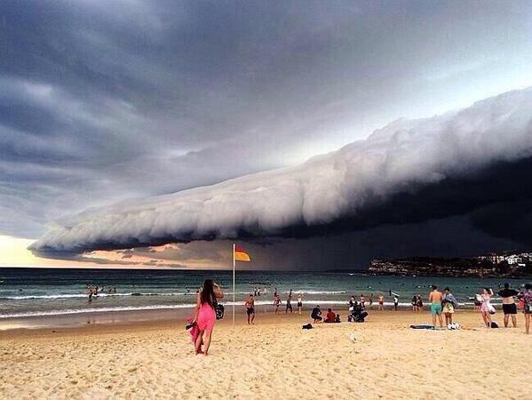 Thunderstorm in Sydney, Australia yesterday! http://t.co/FD9WXAbAI6