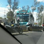 "RT @_charliifex: choque periferico http://t.co/unczyfwXj8"" Otro accidente!!! Seguiremos tolerando esto?"