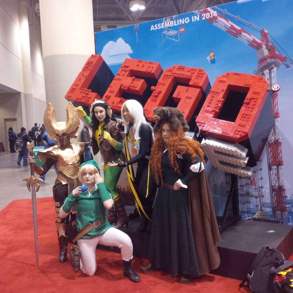 This kind of thing here. It's magic. Reminds me of when comiccons were for nerds what prom was for jocks. http://t.co/Px9qz18USW