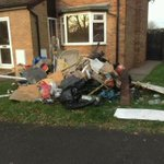RT @19Ironman69: @telfordlive neighbour of my sister in law didnt pay skip bill economy skips from Shifnal just emptied it on lawn http://t.co/xsdaSLWyza