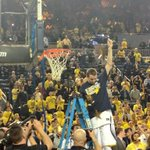 Nik Stauskas cuts down his part of the net. http://t.co/mICCjyDQ01