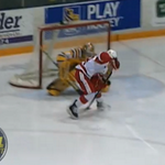 VIDEO: Sergey Tolchinsky scored a backwards between-the-legs goal in the Ontario Hockey League http://t.co/67r5Ual9Oh http://t.co/4qmWwMFbwD
