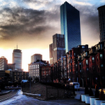 RT @OnlyInBOS: A warm sunset in Boston to close out a Saturday #BOSpring preview. (via @J_Johnstone) http://t.co/s9meS0ow2y