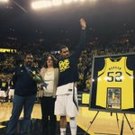 RT @umichbball: .@JustJMo is a true Michigan Man. #ThanksJMo http://t.co/aiCjzZB6y1