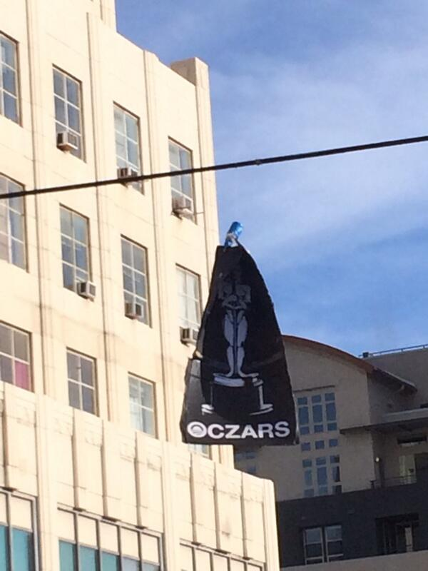 The head is 'The One' the 'O' his Icon & it's been @ Wilshire & LaBrea a full week. Where's the Rspect? http://t.co/Xo3yWA2cgh