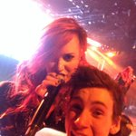RT @thats0jack: THIS JUST FUCKING HAPPENED IM SCREAMING @ddlovato http://t.co/cIm73BbPUl