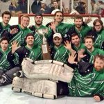 RT @MeanGreenHockey: Thats 5 in a row for your #UNThockey!  http://t.co/Dmy0IrOrnD