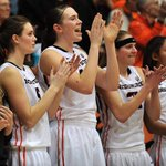 Rooting for @oregonstatewbb tonight vs. WSU live now on Pac-12 Networks? RT to show your support! http://t.co/lBRwDbsRfn