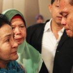 PHOTO via Reuters: Rosmah Mansor, wife of Malaysian PM Najib Razak, cries with relatives of plane passengers http://t.co/IKnpwaO9Gi