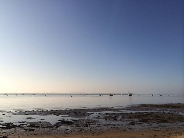 Relaxing and watching the sun go down at Bawdsey #Suffolk http://t.co/POoPx8LWkZ