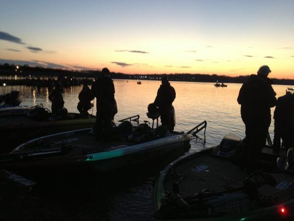 Flw fishing flw tour 2014 lake hartwell for Lake hartwell fishing hot spots