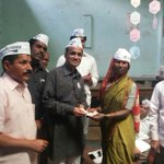 """@aappune: Futpath Niwasi Parishad who sell balloons on streets and dont even proper houses,donated 10k to AAP Pune. http://t.co/gd4DktKjEx"""