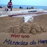 Sand sculpture of missing #MH370 at Puri beach, India. http://t.co/ovMrb2XSBm