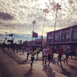 Cheering on the LA Marathon runners. Go Runners Go! #LAMarathon #ASICS #running #26.2miles #impressed http://t.co/60TgaL4YKh