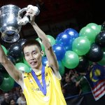 RT @BADMINTONEnglnd: PHOTO - 3 is the magic number for Malaysia badminton superstar Lee Chong Wei as he lifts the #AllEngland title http://t.co/UuGcLBAfId