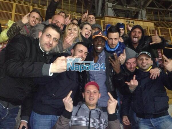 BiUwwueIIAAf1WM Liverpool defender Aly Cissokho sat with Napoli fans on Sunday night for the match against Roma [Pictures]