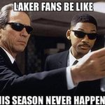 Lakers fans be like… http://t.co/7JOoU9NCaj http://t.co/y5VGV1xh2d