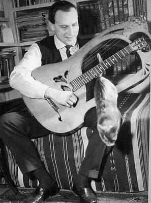 """1920'de bugün, Boris Vian doğdu.""""Çiçekçi dükkanlarının demir kepenkleri olmaz. Kimse aklına getirmez çiçek çalmayı."""" http://t.co/IZZMcwOLBn"""