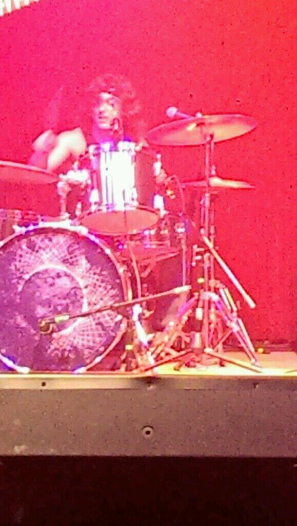 I'm with the drummer. @LetsGoDukes http://t.co/gpTYK7JhAd