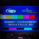 #SummitTourney semi finals: (4) South Dakota vs (1) South Dakota State. Not a bad way to start the day. http://t.co/qY640lSOmw