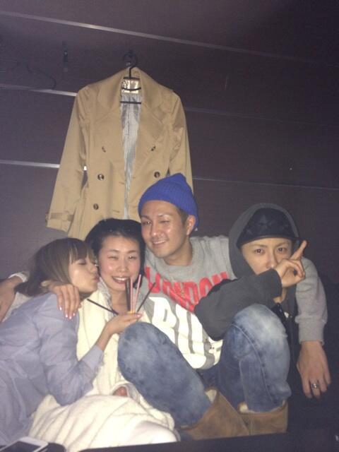 """みんなありがとう♡""""@chiaki_AAA: 今日は私の親友のお誕生日(≧∇≦) リーダーも真ちゃんも一緒に祝ってくれてるぜーー(^-^)♪ http://t.co/RPsknXCLgf"""""""