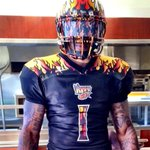 Heres a look at the @LAKISS_AFL full uniform #uniswag http://t.co/GP2i4xfbkW