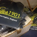 """Get yer t-shirts ere ... Limited offer, roll up, roll up ..."" #Whites1901 http://t.co/UqLPgeBdmb"