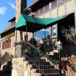 ALERT: Historic Craftwood Inn in Manitou Springs has closed http://t.co/OUi8YZCPNg http://t.co/rTY2l50dHE
