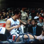 .@kpangos got his ankle re-taped. Doesnt look like anything to worry about. #GoZags @700espn #kxly http://t.co/H1JQPkR5JV