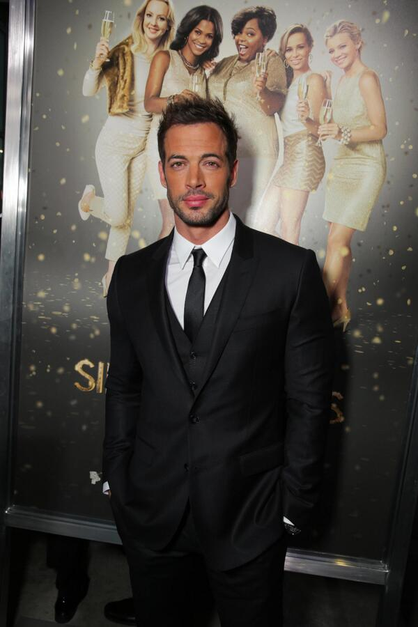 Muy caliente! @willylevy29 has arrived looking suave on the red carpet! #SingleMomsClub http://t.co/AbyjS0qWvK