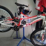 $8k bike stolen in #Ellenbrook on Thurs. 1 of only 5 in WA.Thief didnt catch the train #perthnews #barnsywantsatrain http://t.co/JNrld9PMxI
