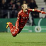 As Arsenal arrive in Munich, Arjen Robben adds his finishing touches in training. http://t.co/i2SKoxhXPa