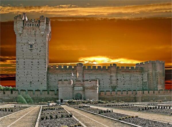 ¿Nos meneáis? ;) Los 12 castillos medievales más guerreros de España http://t.co/1D7Y8h4qyR http://t.co/9FefzgsvbA