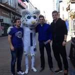 RT @LUFCCommercial: Look who Lucas just bumped into! @Rossmccormack44 @mattjpsmith and our first winner! #LucasInLeeds #LUFC http://t.co/TPZwtQLLMI