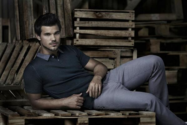 Happy Taylor Tuesday! #taylorlautner http://t.co/UPT5SufKtE