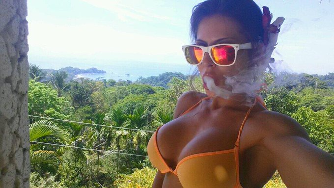 2day was a smoky sunny Haze, tomorrows 2 be an extra wet #PlayTime on the beach ;) #CostaRica #Stoner