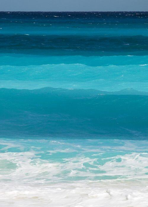 50 shades of blue: http://t.co/wkQxJaoS3O