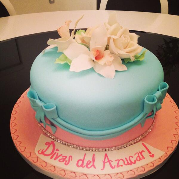 #cake #divasdelazucar to celebrate Premier tonight at 9:00 PM on @Tr3s http://t.co/hErydaiQZP