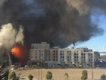 #missionbayfire now at 6 alarms as flames shoot 40 ft in air https://t.co/6zi9akvz0J http://t.co/405adrCMWi