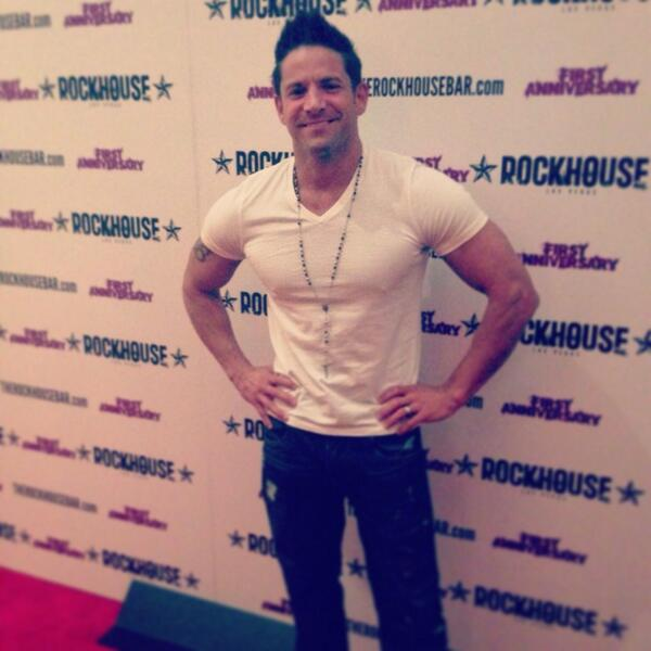 Oh hey there @jefftimmons @menofthestrip...